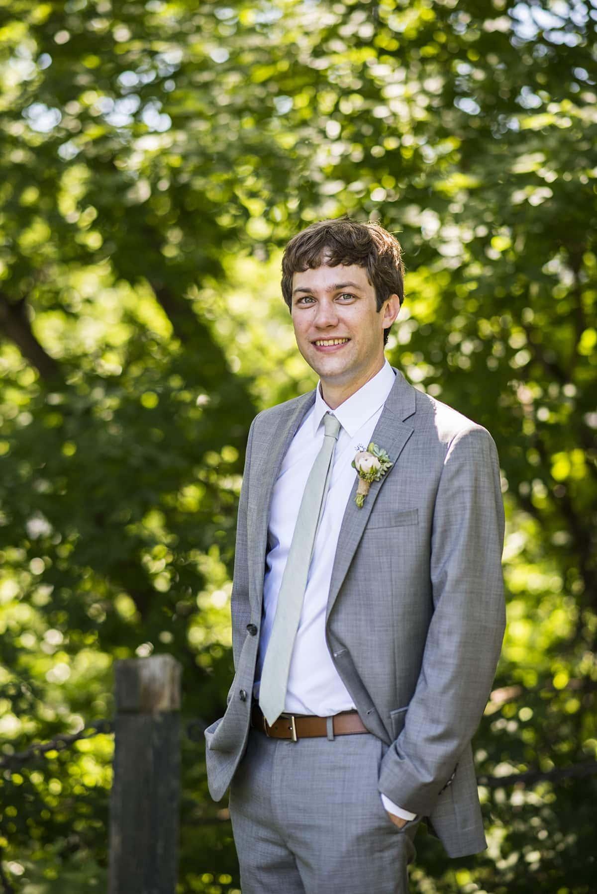Minneapolis wedding groom