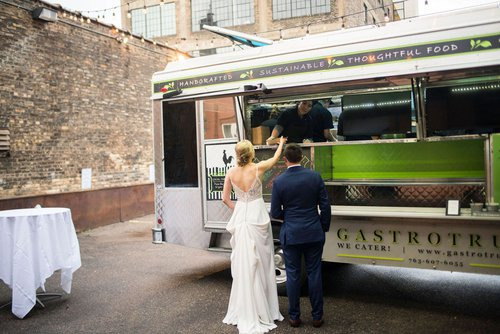Minneapolis gasto truck by Minneapolis wedding photographer