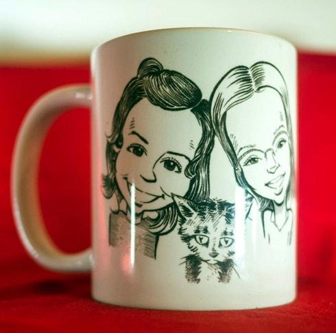 Tasse personnalisée, portrait de 2 petites filles et leur chaton