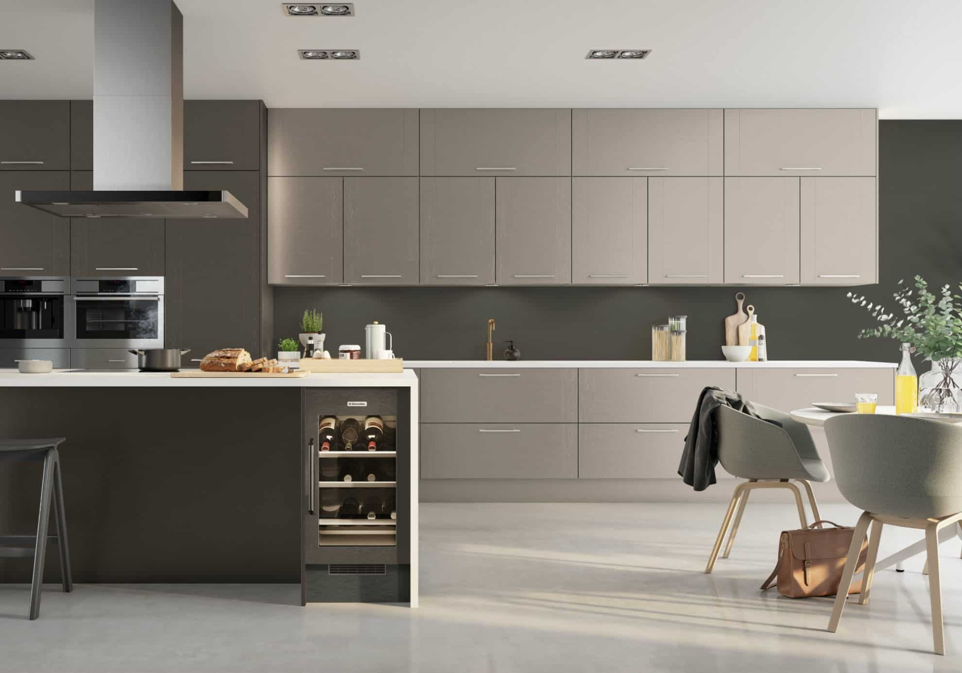 Maine kitchen in cashmere and stone