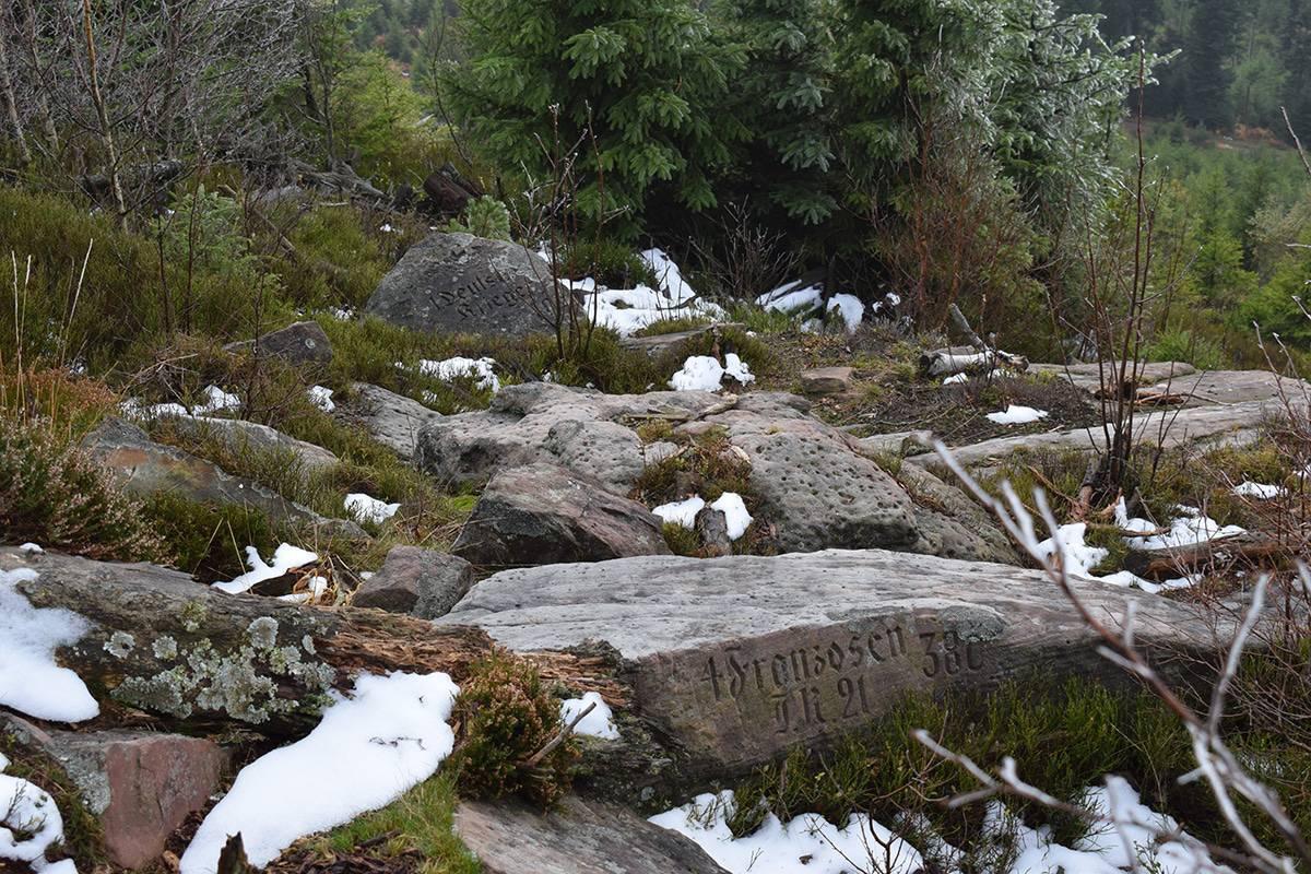 Stèles en souvenir des troupes tombées en août 1914