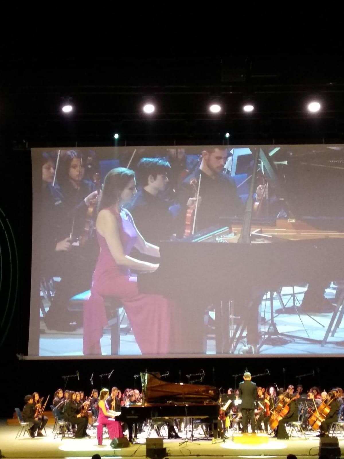 Cristina Casale concierto benefico vozes