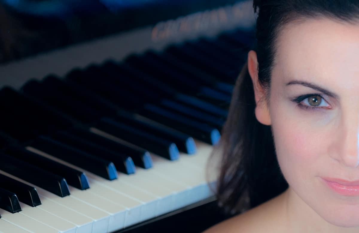 Cristina Casale Piano concertist mirada