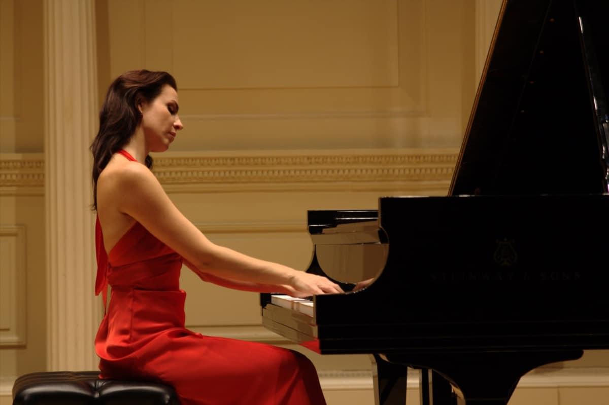 Cristina Casale pianista española Debut Carnegie hall NYC