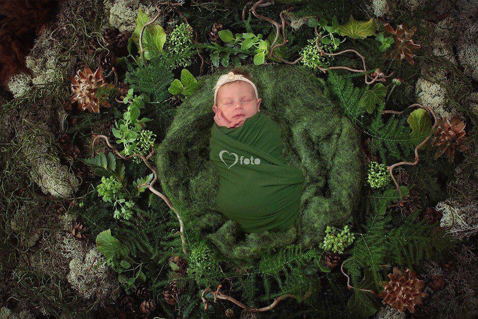 Newborn and Baby photographer in Mississauga & Toronto