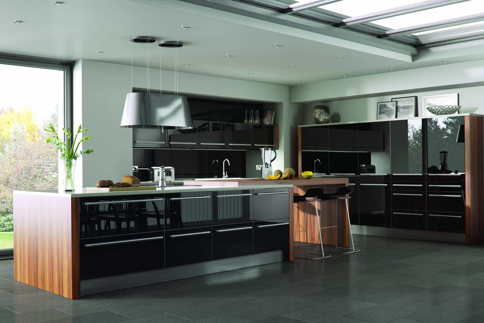 Genoa kitchen in black gloss